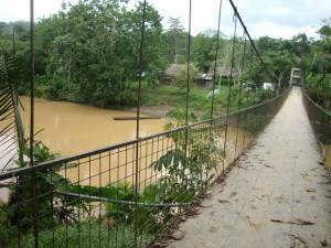 Puente sobre el río Bobonaza, Sarayaku