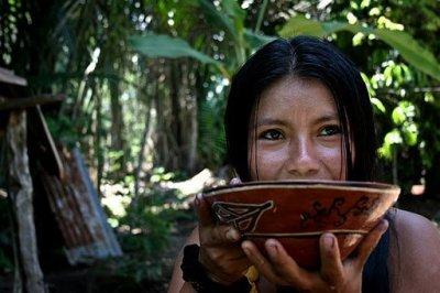 Sarayaku vida social gira en torno a la chicha (foto cortesía de Sarayaku)